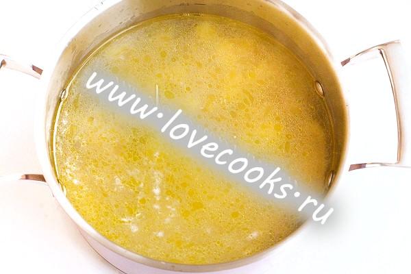 Гороховий суп пюре з куркою