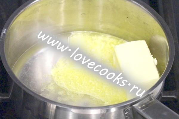 Масло вершкове в сотейнику