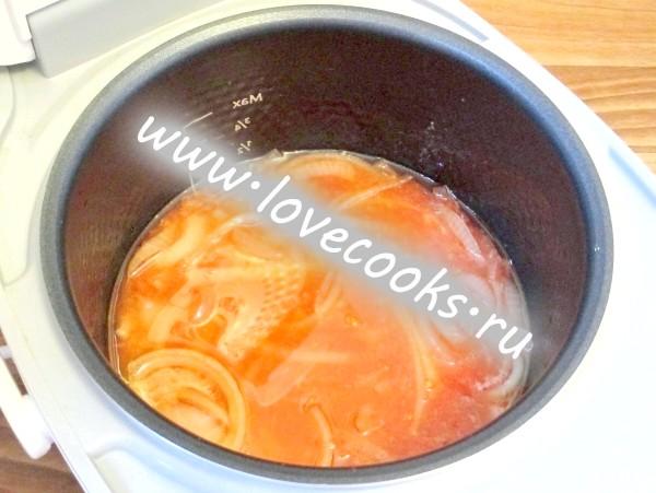 Додати томатне пюре