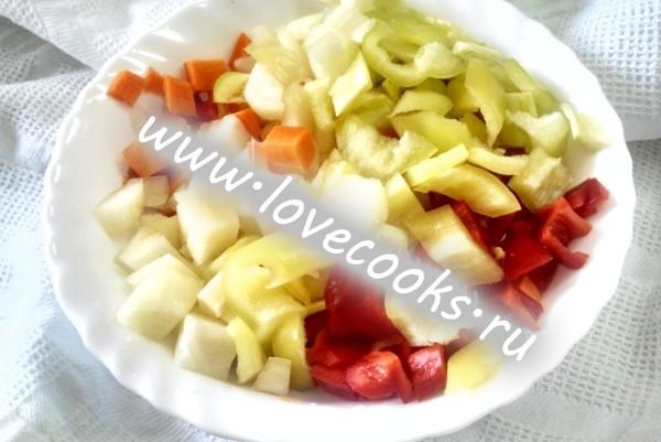 Овочевий суп з кольоровою капустою