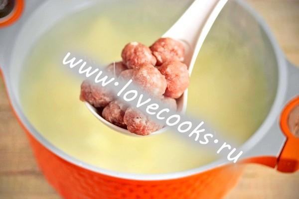 Рисовий суп з фрикадельками