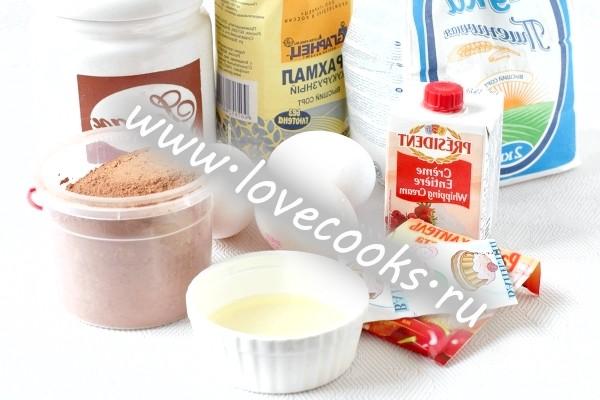 Інгредієнти для шоколадного рулету з кремом