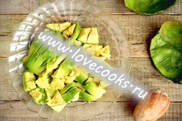 Інгредієнти для соусу з авокадо з часником
